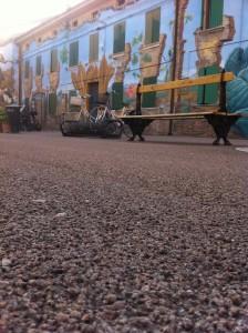 Una visuale di Piazza Betlemme col nuovo asfalto porfirico pallinato
