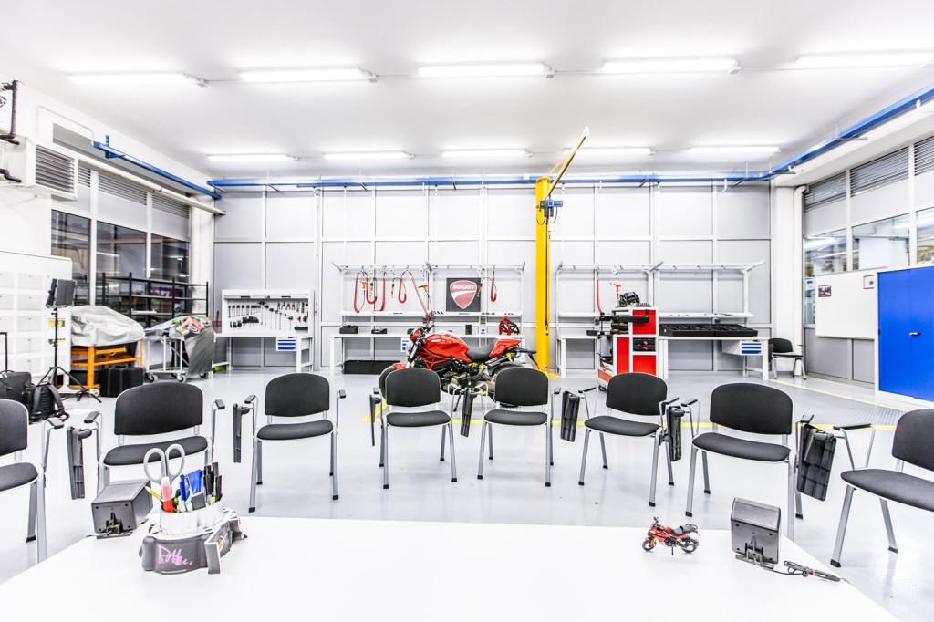 Ducati Training Center 10 LR