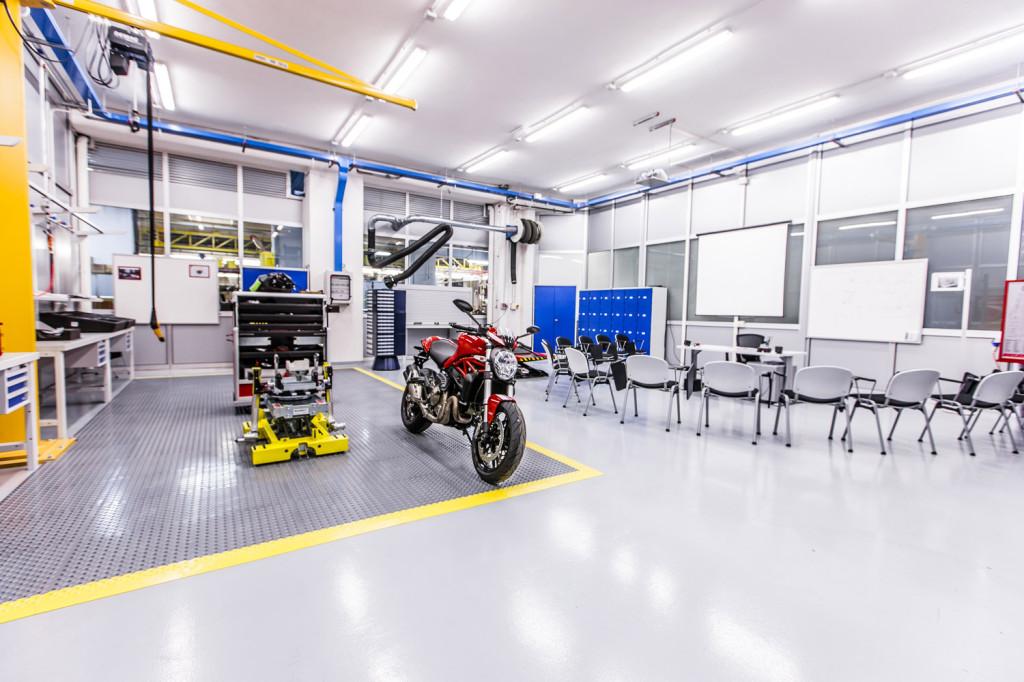 Ducati Training Center 11 LR