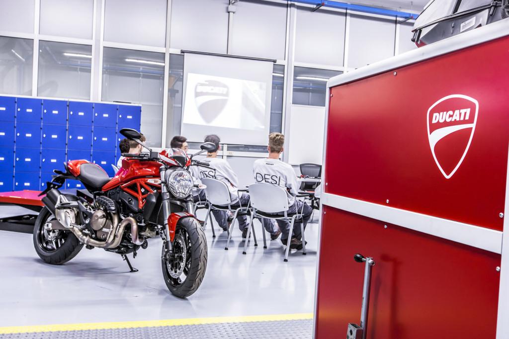 Ducati Training Center 3 LR