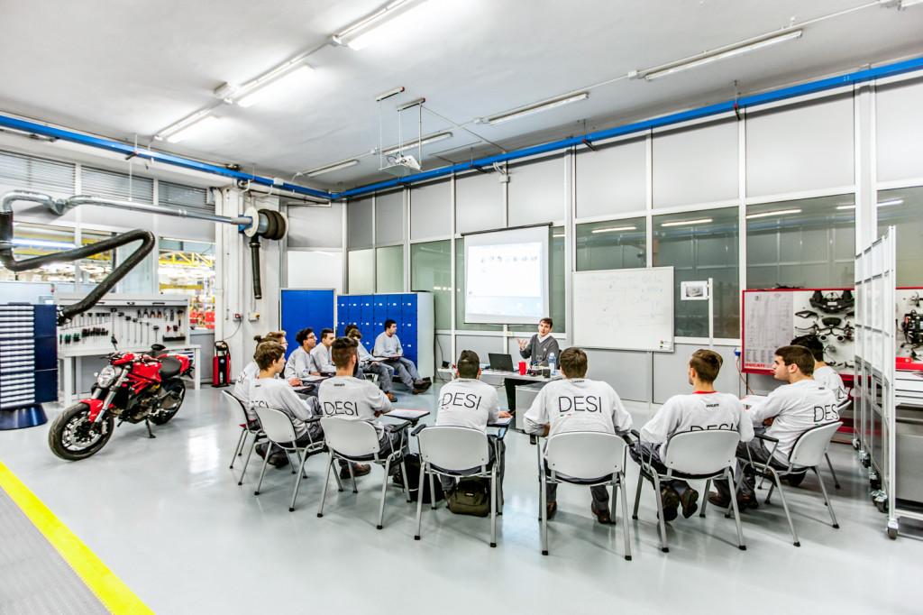 Ducati Training Center 4 LR